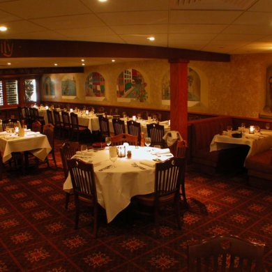 Private dining - Tuscany room, seats up to 150 guests.